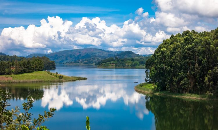 12 Days Uganda Primates and Lake Bunyonyi