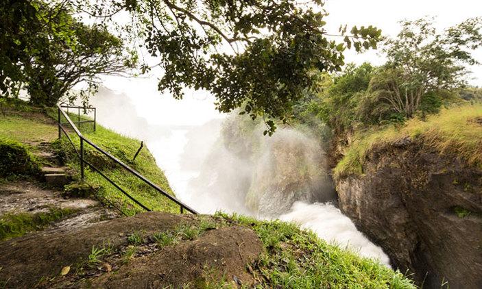 Hiking the top of Murchison Falls